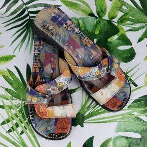 Icon Wearable Art sandals slides 8.5 M